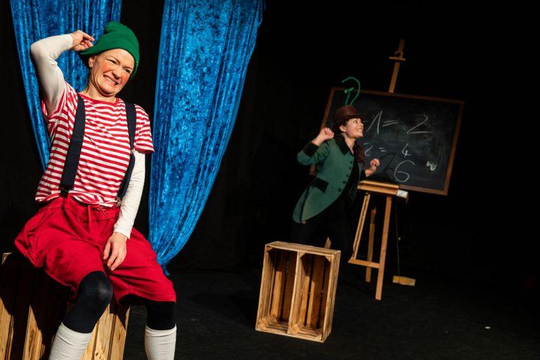 Pinocchios Abenteuer und wie er versuchte, ein richtiger Junge zu werden